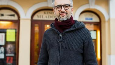 režisér filmu SVETÁCKE DIEVČA - Marco Danieli